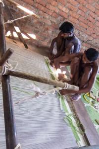 Dhurrie Weavers using Horizontal Loom